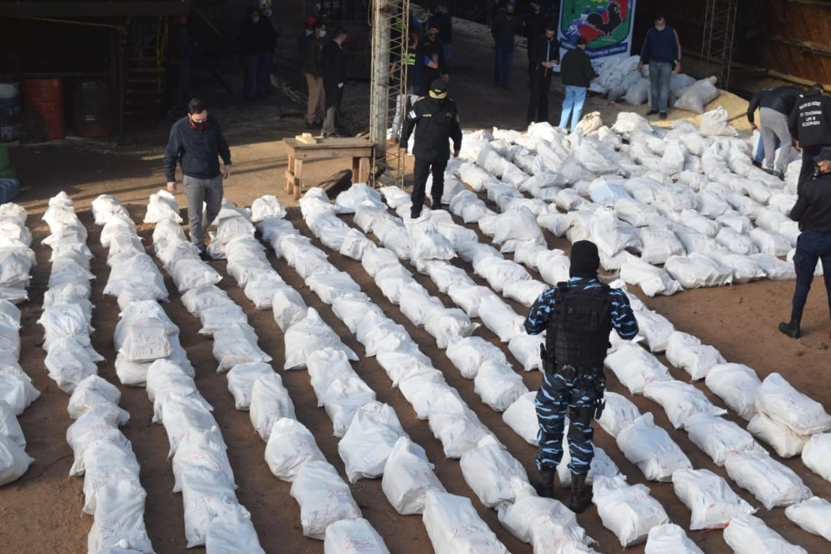 Santiago de Liniers: quemaron más de 5 toneladas de marihuana incautada por la Policía de Misiones