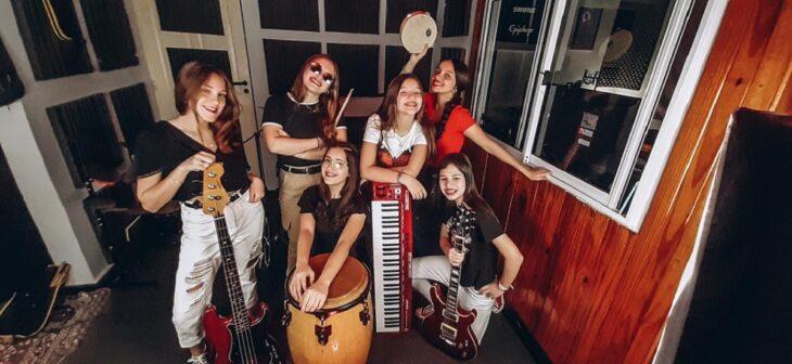 «Cherry Lips» y «The Cricket», música nacida desde los «Grillos Rock», por streaming  junta a padre e hija adolescente sobre el escenario virtual