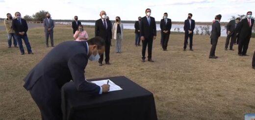 Con la firma de Oscar Herrera Ahuad, Misiones se sumó al acuerdo Federal de la Hidrovía Paraguay-Paraná