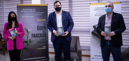 """Por teleconferencia se presentó en  sociedad el libro """"El éxito del fracaso"""", de Matías Sebely"""