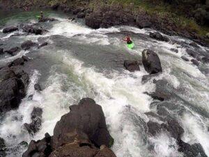Este fin de semana hay promociones para navegar en lancha por el Paraná, remar en kayak o sobrevolar la selva