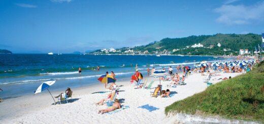 Coronavirus: Florianópolis evaluará reserva de espacio en la playa vía aplicación para mantener distancia