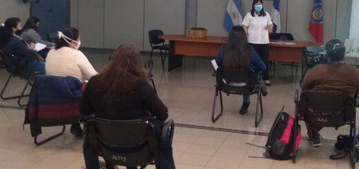 Capacitan en vacunación al personal sanitario municipal de Posadas