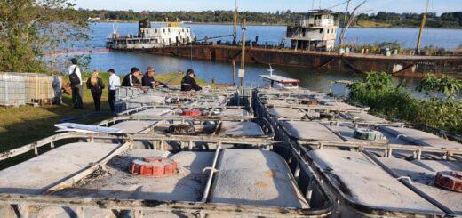 """Organismo ambiental de Paraguay informó que concluyeron las tareas de extracción del líquido oleoso del buque varado en Itapúa """"sin ningún daño ambiental"""""""