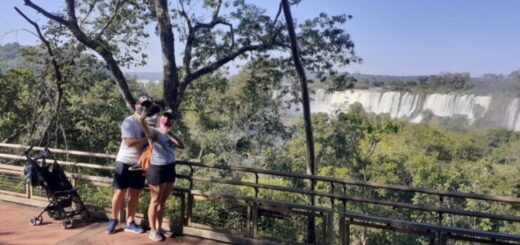 Ratifican la apertura de las Cataratas del Iguazú para residentes locales