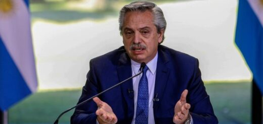 Dólar ahorro: Alberto Fernández admitió que analiza restringir aún más la compra de la moneda