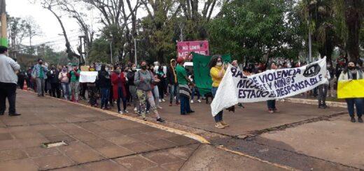 Masiva marcha por el femicidio de Patricia Mereles en Puerto Iguazú