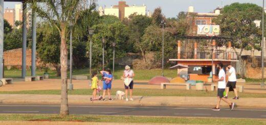 Con más de 30º de temperatura en Posadas, la Costanera fue la elegida para las actividades al aire libre