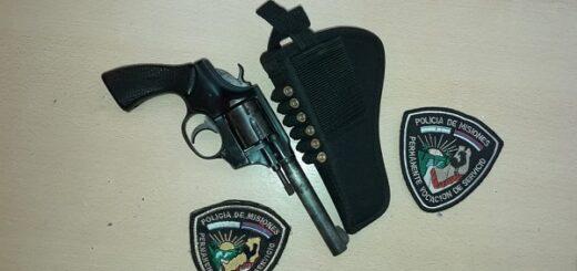 Estaban cenando, sacó un revólver y amenazó a su familia en Santo Pipó