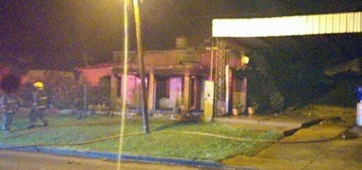 Un caloventor eléctrico provocó un incendio en una estación de servicio en Alem