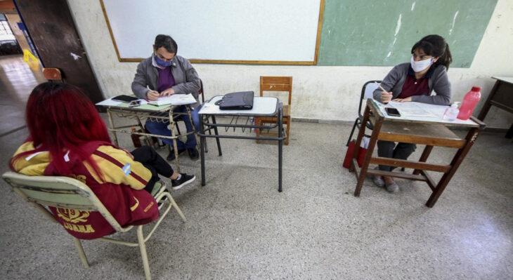 Corrientes: reabren aulas para estudiantes de nivel secundario que deben materias