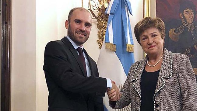 El FMI confirmó que Argentina inició las negociaciones para lograr un nuevo acuerdo de la deuda