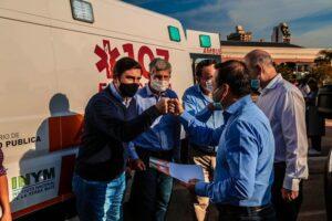 """Herrera Ahuad entregó 16 ambulancias y utilitarios a municipios de Misiones y proyecta la entrega de 20 unidades más """"para seguir fortaleciendo la red de traslados"""""""