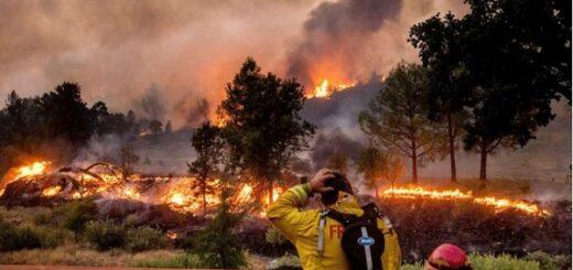 Estados Unidos: los incendios en California avanzan y obligan a evacuar a más de 240.000 personas