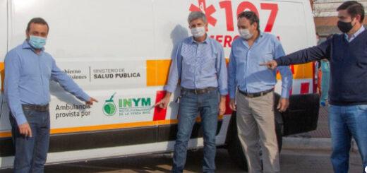 """El INYM sumó una ambulancia a la red de traslados """"porque toda la sociedad debe involucrarse en los cuidados de la salud"""", dijo Juan José Szychowski"""