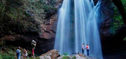 Los misioneros aprovecharon el fin de semana para visitar el atractivo Salto Berrondo de Oberá