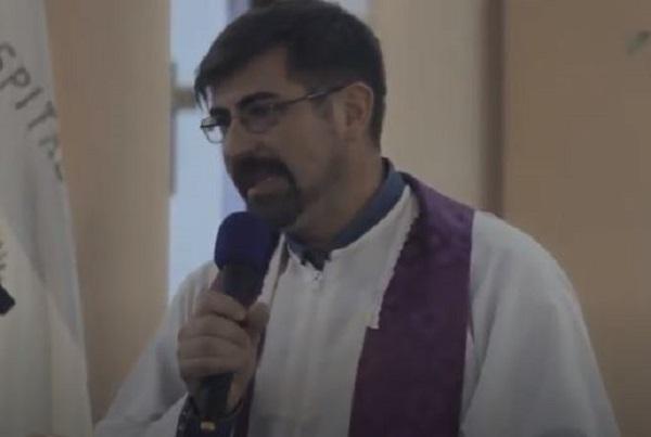 """El padre Fabián Oliva criticó duramente a las autoridades de Córdoba por la muerte de Solange: «¿Qué protocolo siguen, que los deshumaniza tanto?"""""""