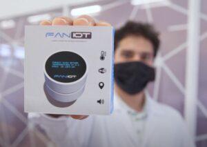 Hecho en Misiones: comienza la entrega de los primeros termómetros inteligentes y desarrollan un robot Covid para desinfecciones automáticas