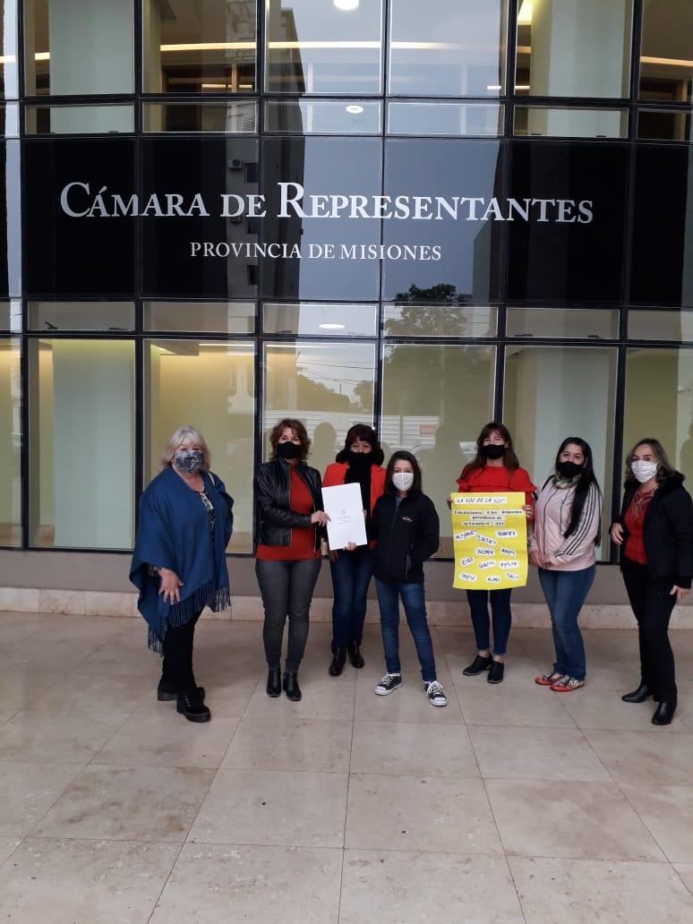 La Cámara de Diputados de Misiones declaró de interés provincial la revista escolar La Voz de la 521