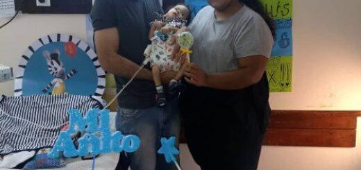 Máximo Salvador, el niño misionero con el extraño síndrome de Berdón, cumplió su primer año y su familia junta fondos para solventar un tratamiento con especialistas extranjeros