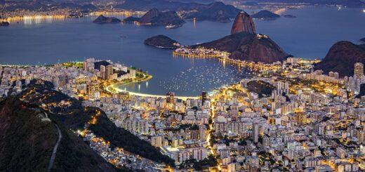 Brasil superó los 4,1 millones de casos de coronavirus, pero San Pablo y Río reabren actividades