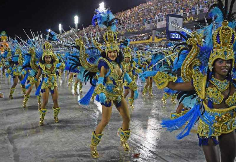 Suspenden los carnavales de Río de Janeiro por primera vez en cien años