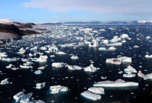Cambio climático: el aumento del descongelamiento en Groenlandia y la Antártida se combina con los peores escenarios de calentamiento global