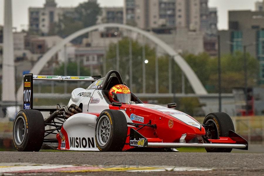 """Bruno Chiapella cerró su debut en la Fórmula Renault 2.0: """"Esta es una etapa que recién comienza"""", subrayó el joven"""