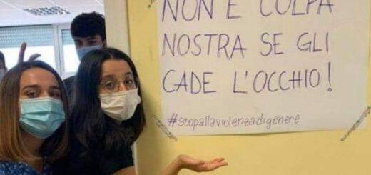 "Coronavirus en Italia: la falta de bancos individuales desató la ""rebelión de las minifaldas en Roma"""