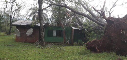 """Fuerte vendaval destechó 25 casas, provocó serios destrozos en San Vicente y Alba Posse y no se descarta que haya sido """"un tornado en baja escala"""""""