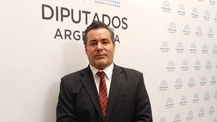 Escándalo en Diputados: suspendieron al legislador que protagonizó una escena sexual en la sesión