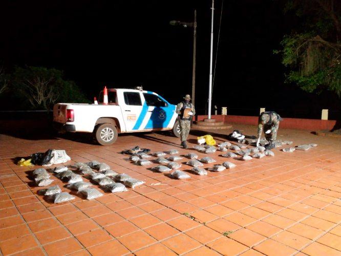 Prefectura secuestró casi 215 kilos de marihuana en Santa Ana