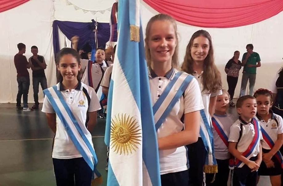 """Mejor Promedio: Paula Erin Markovic, de L.N. Alem, es la ganadora de la """"Beca UNaM"""" de Secundarias de Misiones"""