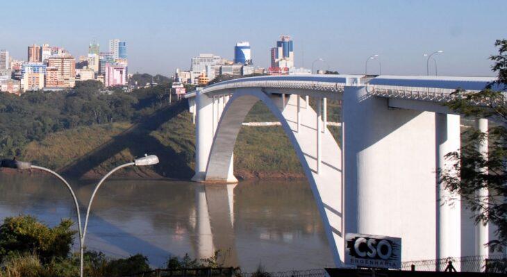 El Puente de la Amistad continuará cerrado y a pesar de la medida unilateral tomada por Paraguay, Brasil extendió por un mes más el cierre de sus fronteras