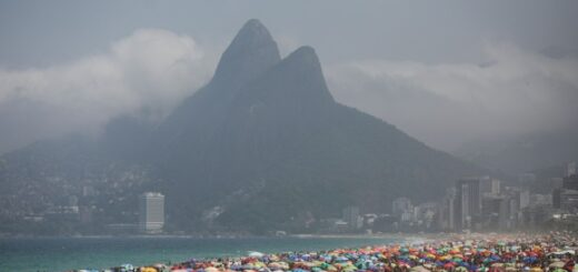 Coronavirus en Brasil: las playas de Río de Janeiro atestadas de gente sin distanciamiento este domingo