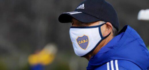 El director técnico de Boca, Miguel Russo, volvió a dirigir la práctica y arma el equipo para la Copa Libertadores