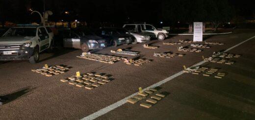 Gendarmería Nacional decomisó 253 kilos de marihuana, secuestró tres rodados y detuvo a cuatro hombres en Santa Ana