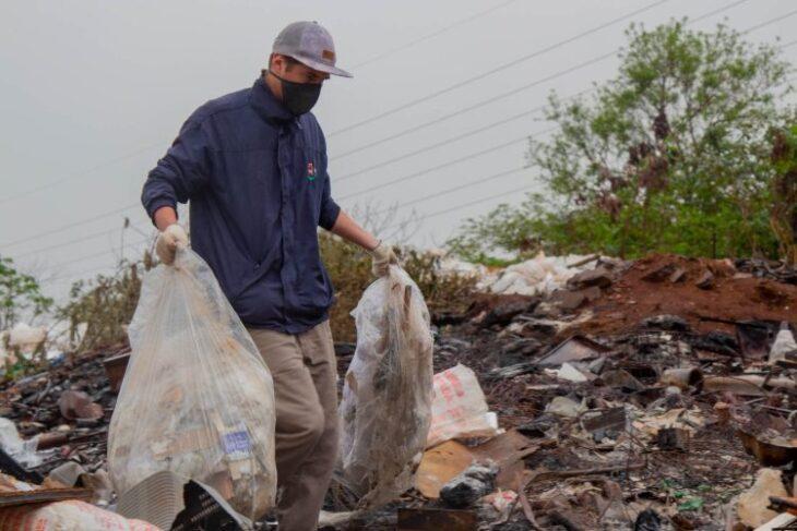 Dengue: trabajan en la eliminación de minibasurales en el barrio Los Patitos 2 de Posadas
