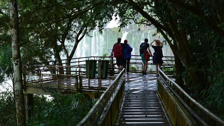 Parques Nacionales anunció la eximición de pagos para permisionarios, guías y transportistas