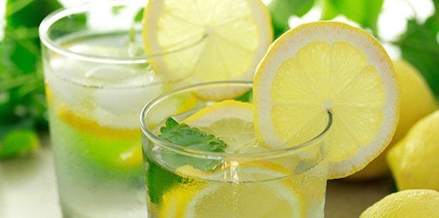 ¿Cómo hidratarnos adecuadamente en estos días de intenso calor en Misiones?