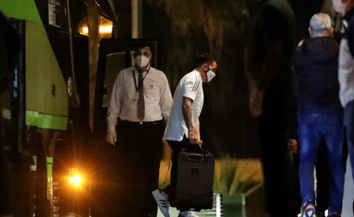 Boca fue recibido en Paraguay con pasacalles intimidatorios