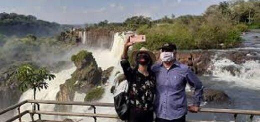 Puerto Iguazú y Posadas, entre los 10 destinos nacionales preferidos por los turistas que viajarán en avión en verano