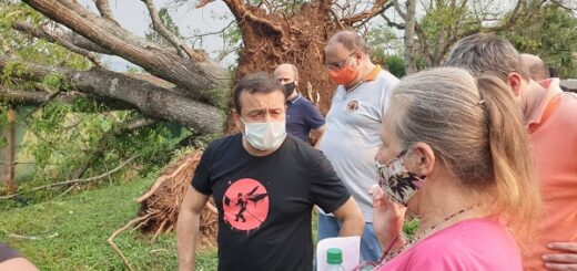 Temporal en Misiones: el gobernador Oscar Herrera Ahuad recorrió las zonas afectadas