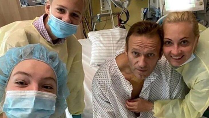 Le sacaron el respirador a Alexei Navalni, el opositor ruso que había sido envenenado