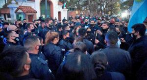 Protesta policial: Rodrigo Bacigalupi repudió las acciones frente a la quinta presidencial de Olivos a la vez que criticó la falta de acción política para evitar el reclamo