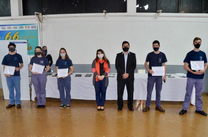 Eldorado: el Municipio entregó reconocimientos a los abanderados y escoltas 2020