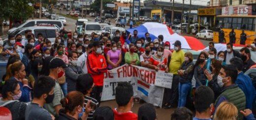 En una nueva marcha, encarnacenos exigen a su gobierno herramientas de reactivación económica tras la negativa de la Cancillería Argentina para la reapertura del puente