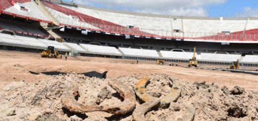 Encontraron objetos arqueológicos enterrados en el Monumental
