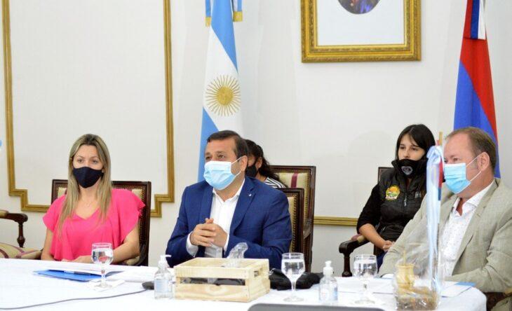 """Oscar Herrera Ahuad firmó acuerdos con Daniel Arroyo para avanzar """"en el fortalecimiento de la economía social en Misiones"""""""