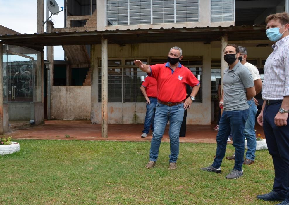A través del Deporbono 4 y ayudas económicas, el Ministerio de Deportes de Misiones continúa con las tareas de acompañamiento a las entidades deportivas